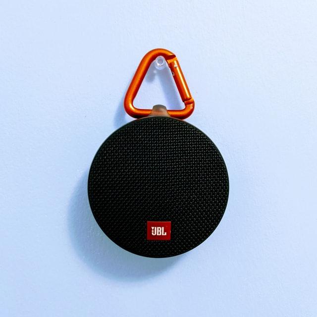 Jakie Zestawy Głośnomówiące I Słuchawkowe warto kupić na październik 2020? [Raport Top 10 Zestawy Głośnomówiące I Słuchawkowe 2020]